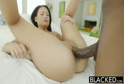 Gorgeous Babe Fucked By Black Cock